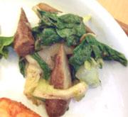有機チンゲン菜と有機ごぼうの梅肉あえ
