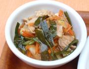 田園豚バラ肉とたっぷり有機白菜と有機ニラのピリ辛鍋