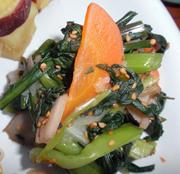 豆もやしと有機小松菜ときのこのピリ辛中華和え